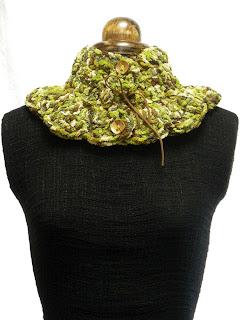 cuello punto jaspeado en tonos verdes