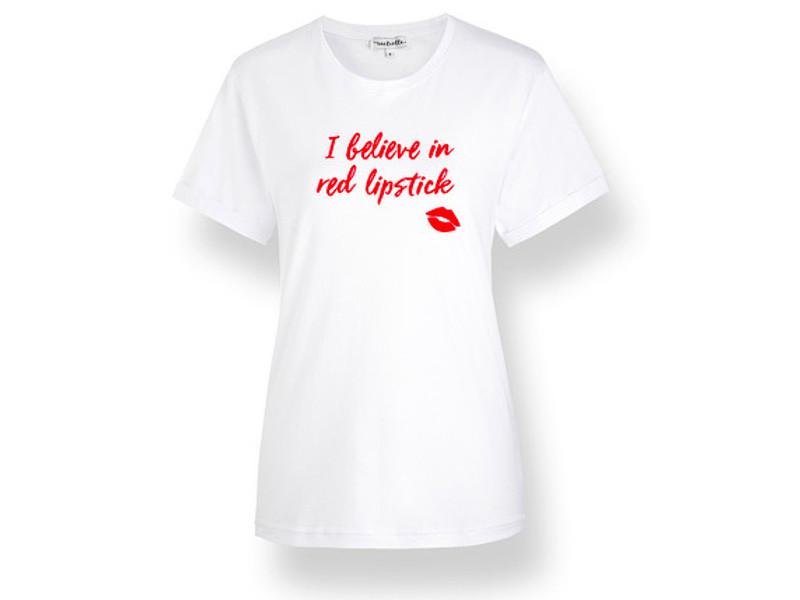 """""""I believe in red lipstick!"""" Das perfekte Statement-Shirt von Initielle"""