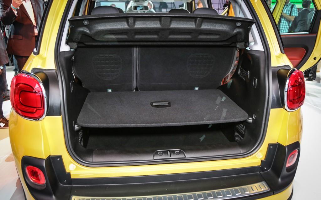 2014 fiat 500l trekking release date specs price pictures car release date. Black Bedroom Furniture Sets. Home Design Ideas