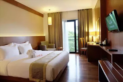 Staycation di Oaktree Emerald Semarang.