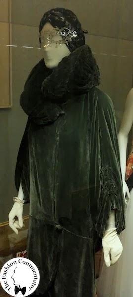 Donne protagoniste del Novecento - Cecilia Matteucci Lavarini - English cape (1920) - Galleria del Costume Firenze