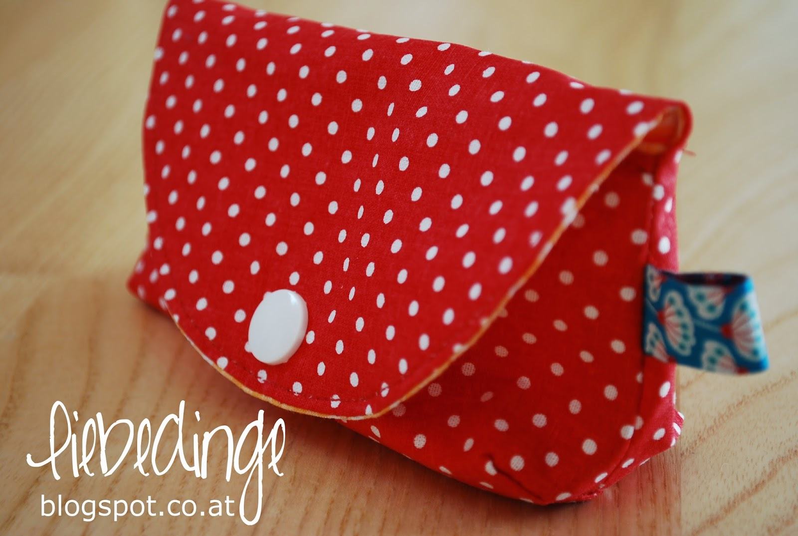 betty button bag [freebie]