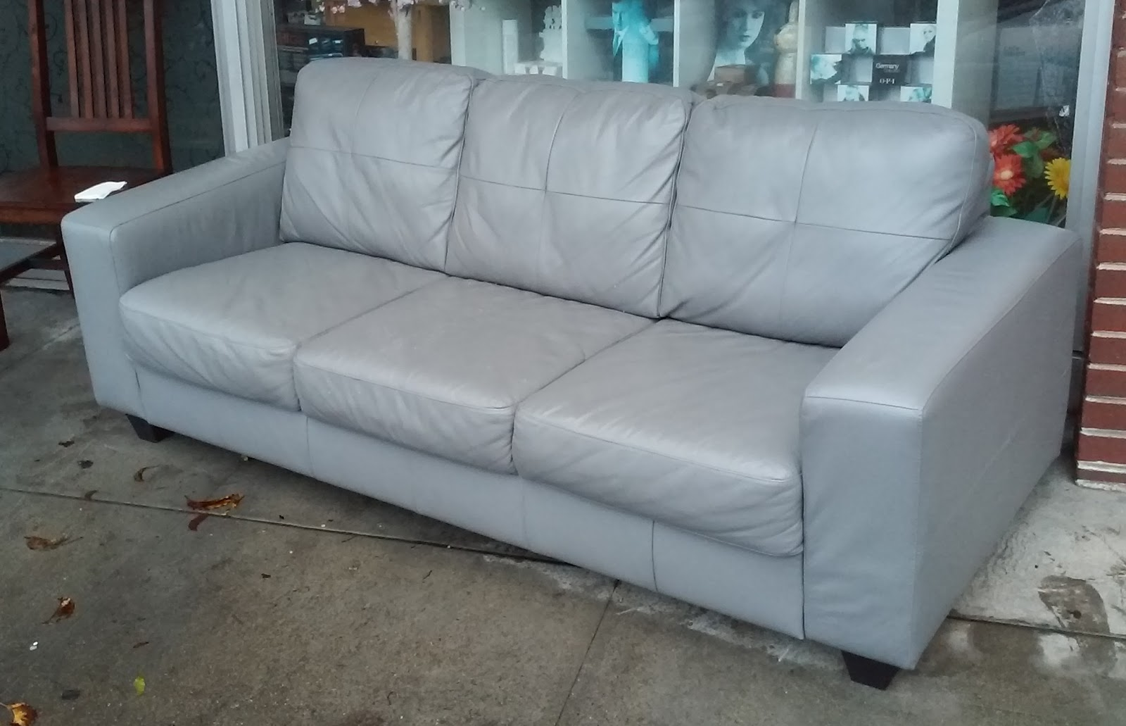 Uhuru furniture collectibles sold ikea skogaby gray for Gray sofas for sale