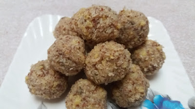 http://www.indian-recipes-4you.com/2017/03/nariyal-ke-ladoo-recipe-aju-p-george.html