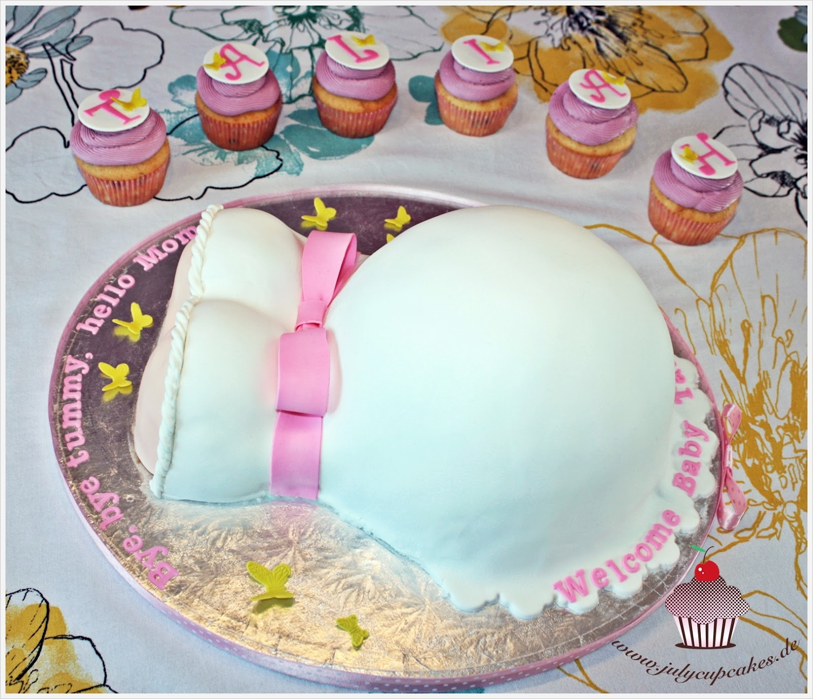 My Cupcakes And Cakes World: Pregnant Belly Baby Shower Cake