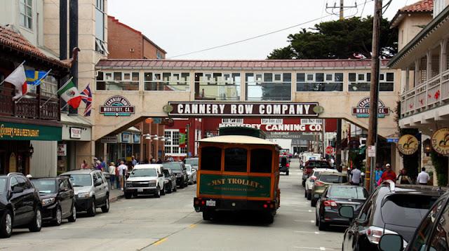 Compras na Cannery Row em Monterey