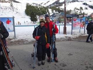 Prontos para esquiar na neve no Cerro Catedral em Bariloche