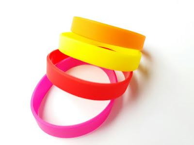 Vòng tay trơn màu hồng, đỏ, cam