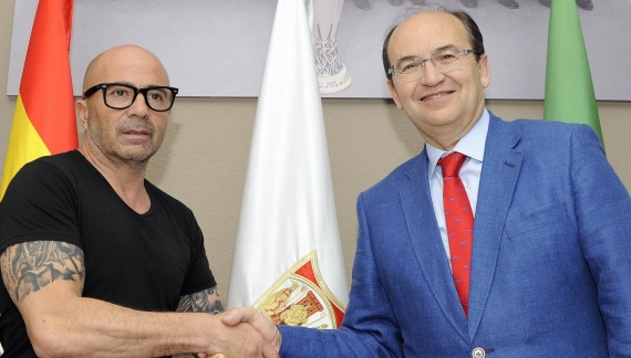 Jorge Sampaoli has been unveiled as Sevilla's new manager on a two-year deal.