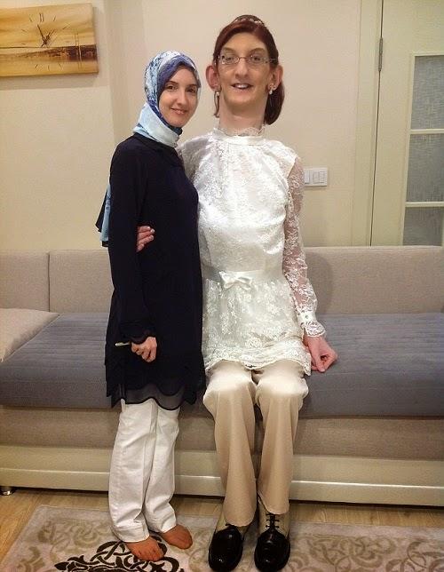 صورة اطول امرأة في العالم 2018 , من هي اطول بنت في هذا الكون