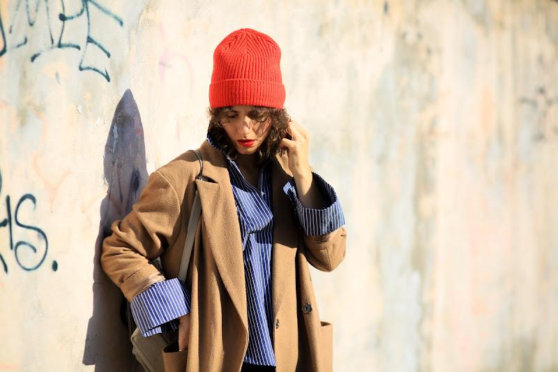 модный образ в шапке