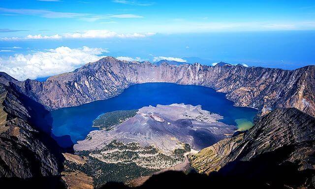 Danau Segara Anak Gunung Rinjani - Foto Instagram v_gov76
