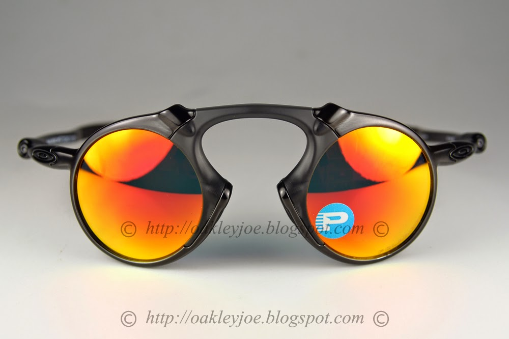 31b2dbf37f oo6019-04 Madman dark carbon + ruby iridium polarized  560 lens pre coated  with Oakley hydrophobic nano solution complete set comes with box and  microfiber ...