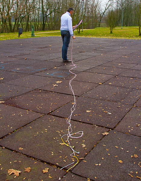 2. prepare the lines as to be connected to the kite