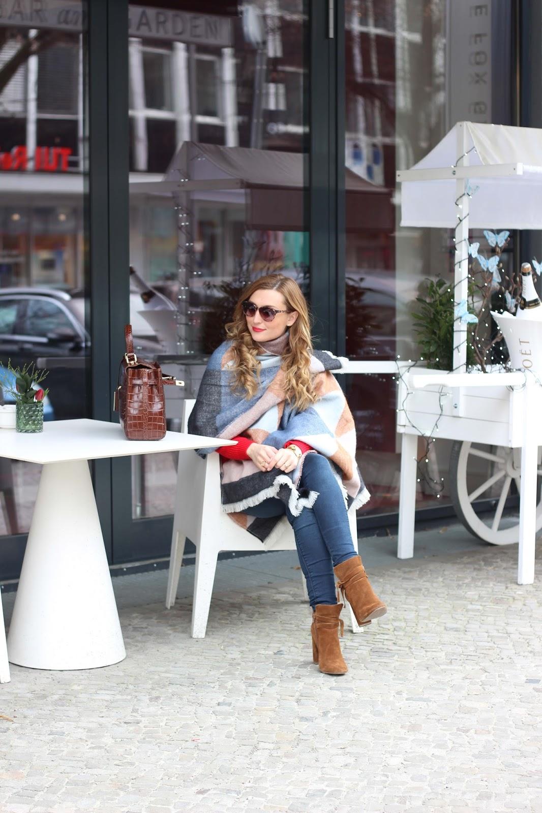 Gerry-Weber-Poncho-Taifun-Sonnenbrille-Braune-Boots-blogger-Fashionblogger-aus-deutschland