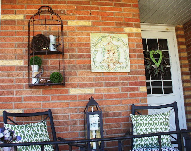 Adding touches of the Spring Season to the Front Porch/