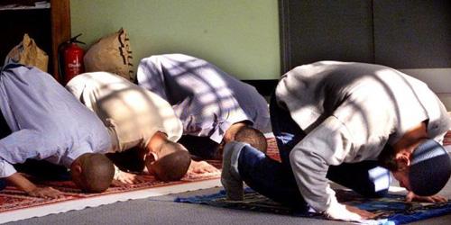 Pekerja Muslim di Amerika Ditanya Pilih Agama Atau Pekerjaan, Akhirnya Inilah Balasan yang Diterima Bosnya