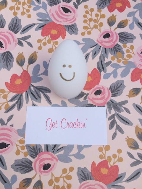 Easy Easter Egg Decorating - Crack a SMILE with things that can crack on your eggs - www.jacolynmurphy.com