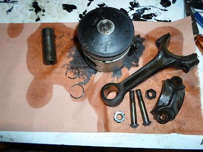 piston démonté Peugeot 203