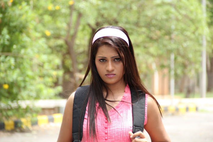 reshma from ee rojullo movie, reshma unseen pics