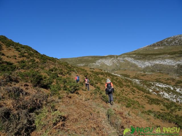 Subiendo al Collado Mediovalle desde Piegüé