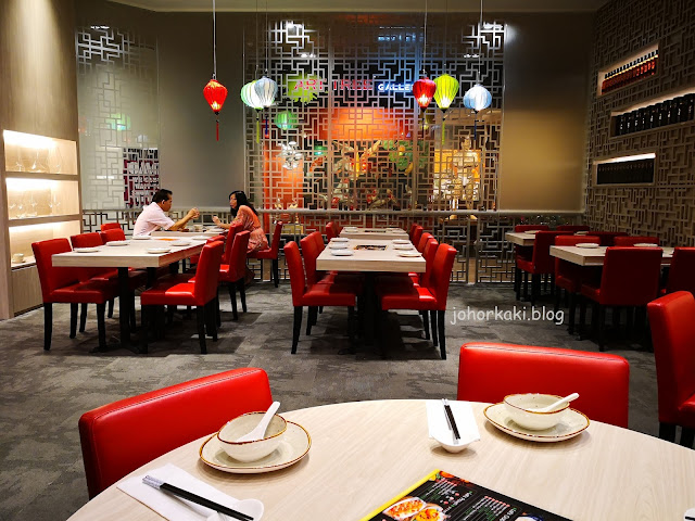 Dining-Place-Mandarin-Gallery-Orchard-Road