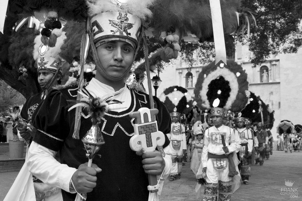traje de danza de la pluma Oaxaca