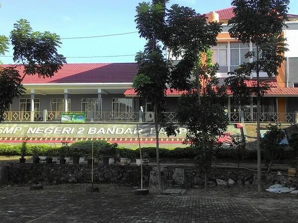 SMP terbaik di Lampung: smp n 2 bandar lampung