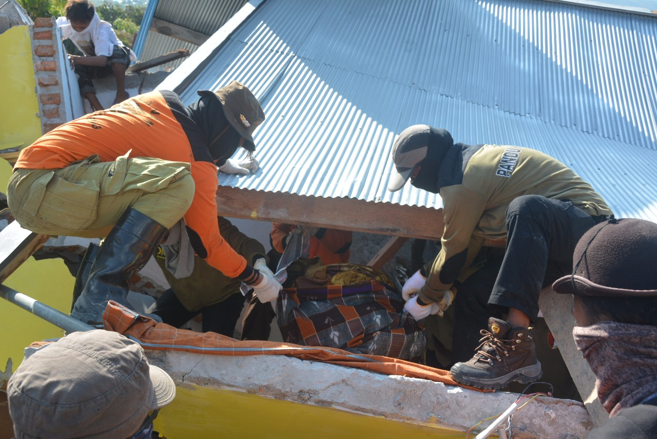 Sulit Akses Darat dan Pesawat, PKS Tetap Terjunkan Relawan Hingga Puluhan