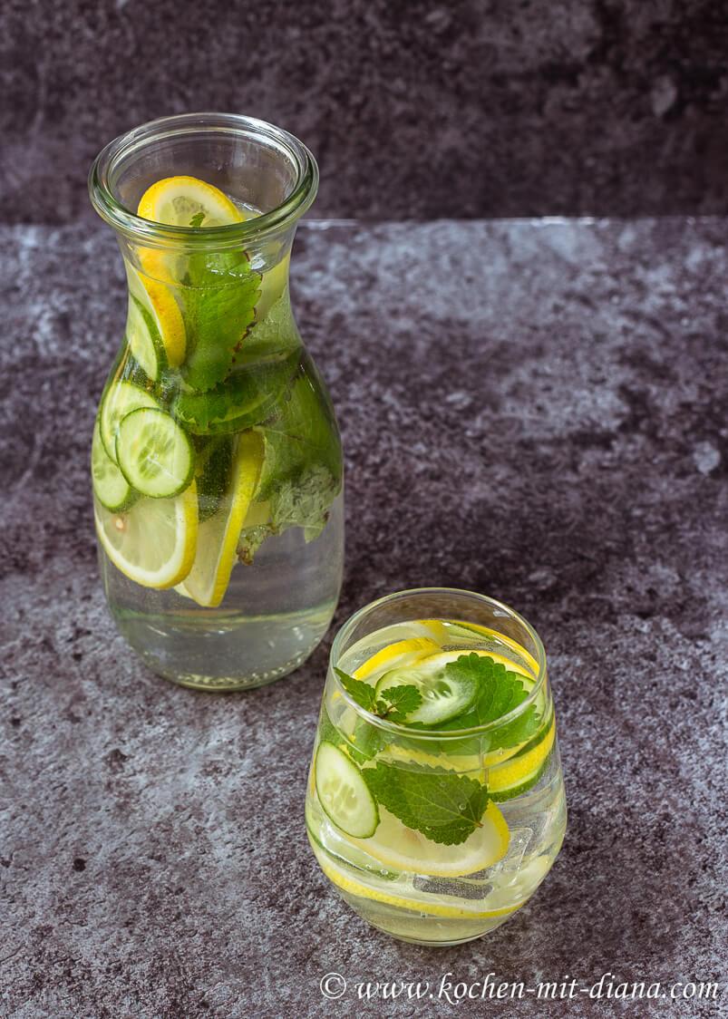 Zitrone-Gurke-Minze infused water