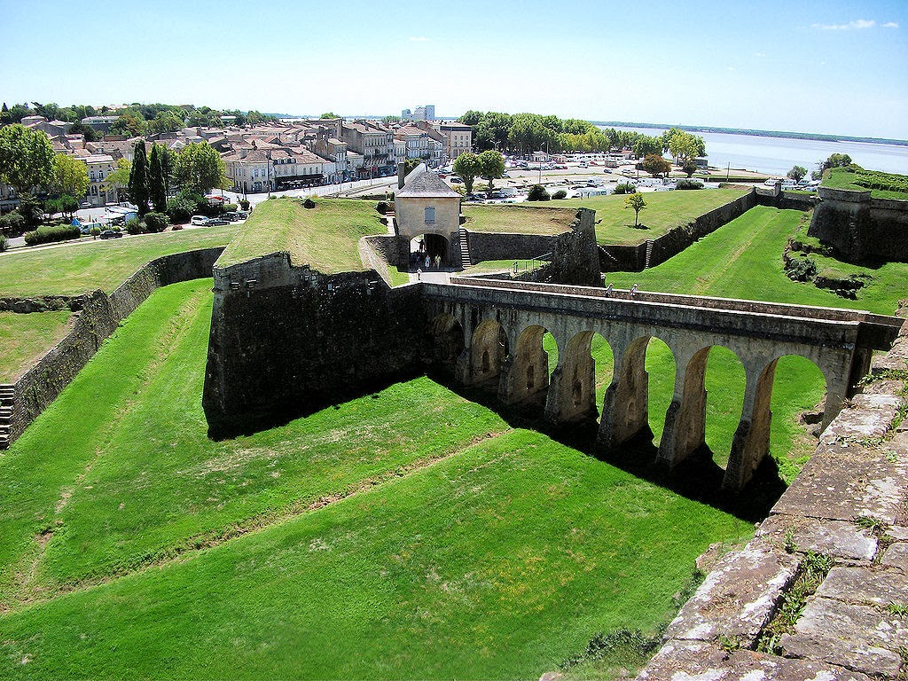 Welcome to Blaye! The ruins of the Gothic chateau contain the tomb of Charibert II, king of Aquitaine. Photo: Mullineauxsand.