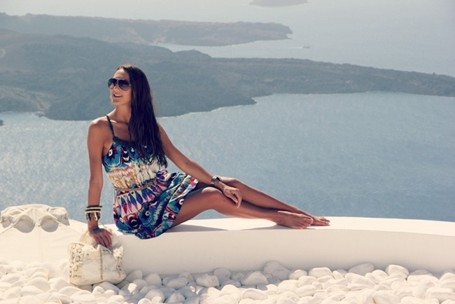 what to wear in Santorini for a day