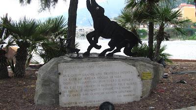 Monumento ai Cani Randagi - Eva Bertolini - Ventimiglia