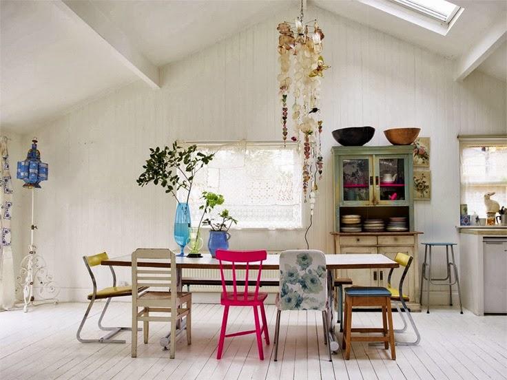yiyou from mars blog mode vintage et lifestyle bordeaux tendance d co les chaises d pareill es. Black Bedroom Furniture Sets. Home Design Ideas