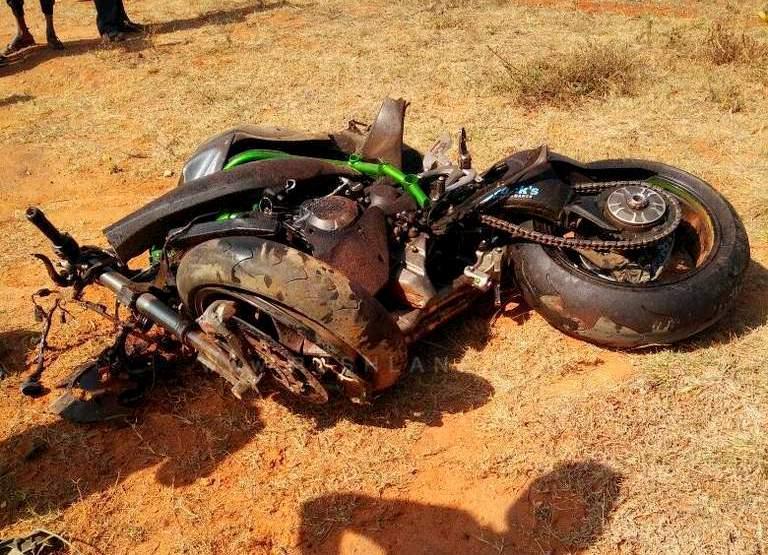 Kawasaki Ninja H2 ini hancur remuk saat mencoba meraih top speed di Bangalore India
