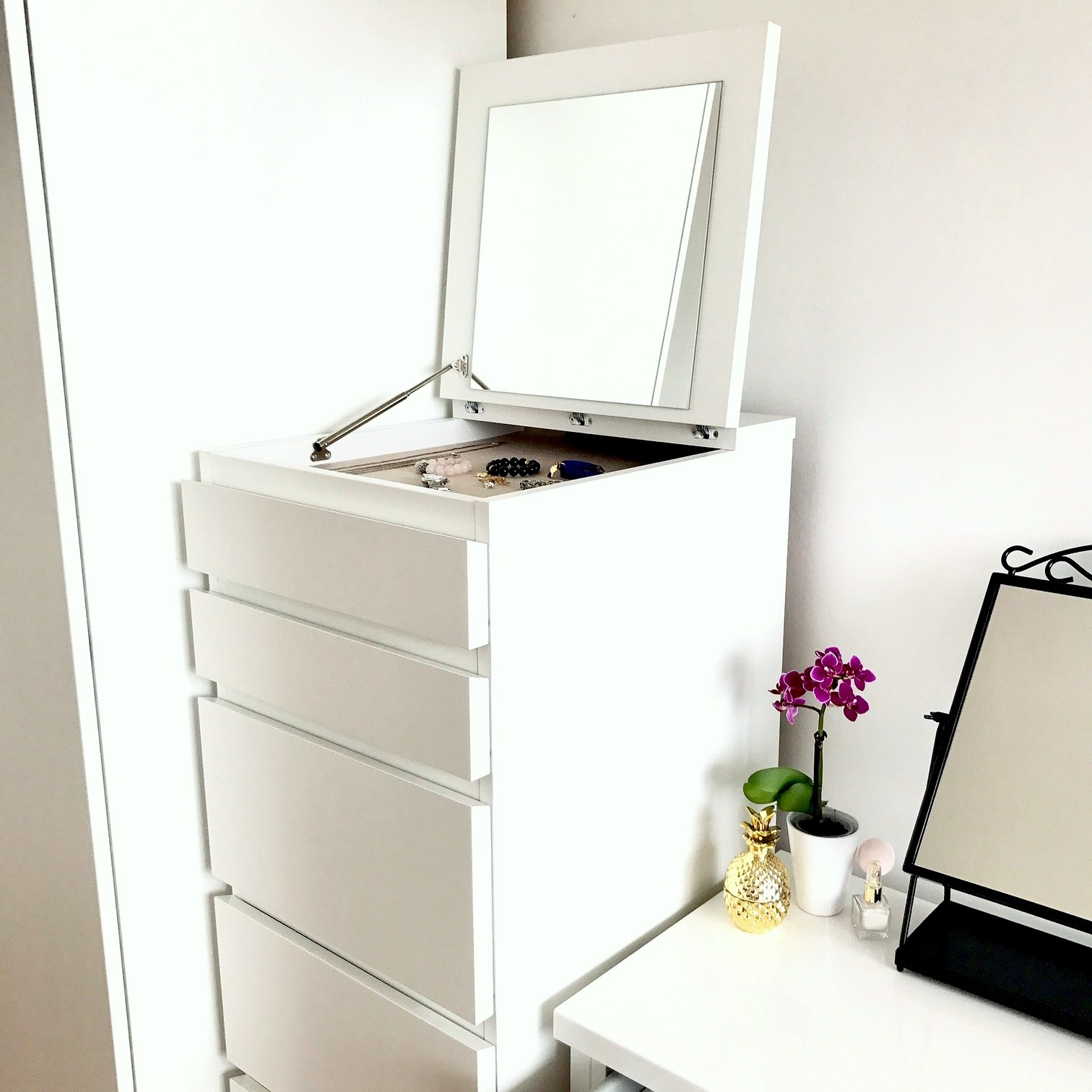 zdjęcie przedstawiające komodę Malm z Ikea