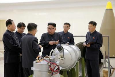 الرئيس الكورى الشمالى مع قنبلته الهيدروجينية