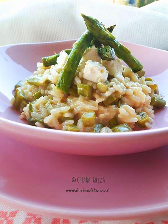 Risotto con taleggio e asparagi ricetta tipica lombarda for Cocinar lombarda