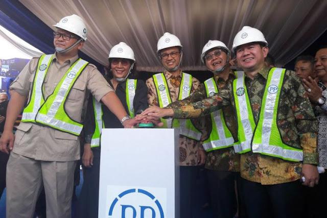 Gubernur DKI Jakarta Anies Baswedan dan Menteri Kelautan dan Perikanan Susi Pudjiastuti menghadiri acara groundbreaking Pasar Ikan Modern Muara Baru