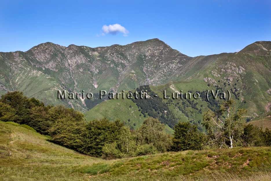 Pian d'Arla, punto panoramico con il monte Zeda