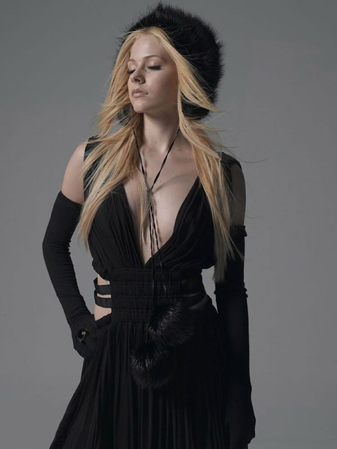 Female Singers: Avril Lavigne pictures gallery (18)