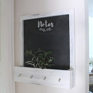 DIY Chalkboard with Mail & Keys Holder