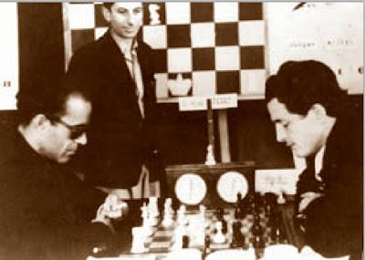 Partida de ajedrez Dr. Mena – Francisco J. Pérez, Sabadell 1945