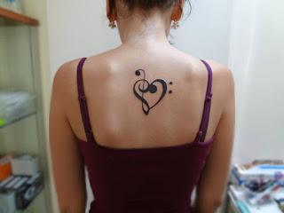 tatuaje corazon musica 1