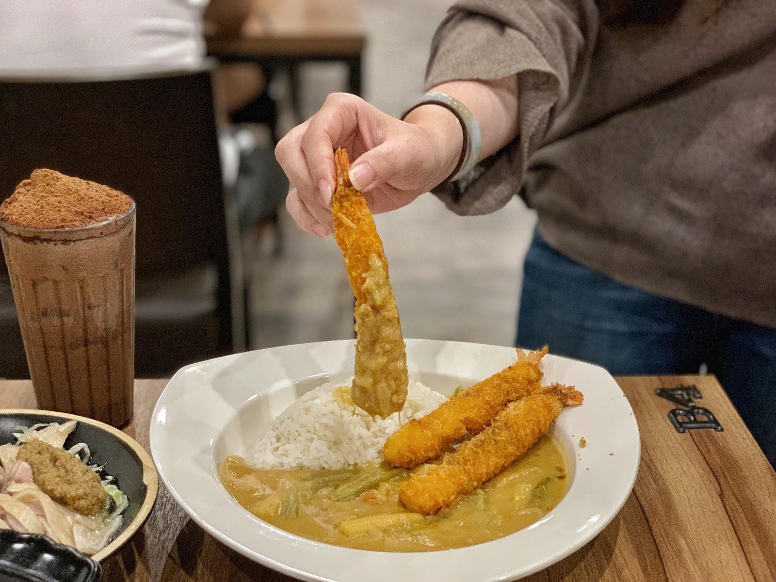 台南東區美食【寶貝老闆新加坡叻沙麵 東寧店】隱藏版特餐