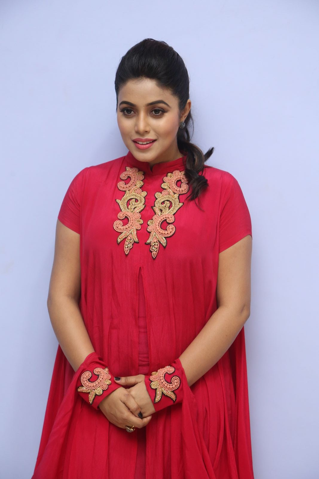 poorna new glamorous photos-HQ-Photo-10