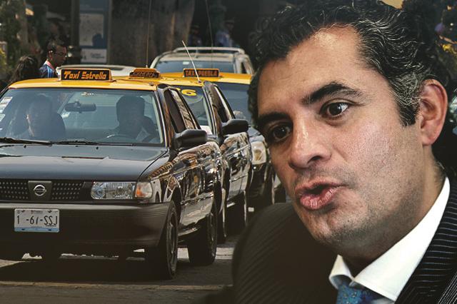 Sacó Ochoa permisos para taxis en Puebla en sexenio de RMV