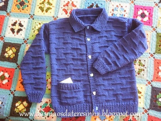 eb80fe23bd Das Mãos da Teresinha  Casaco de tricô para criança - tam. 4 - 5 anos