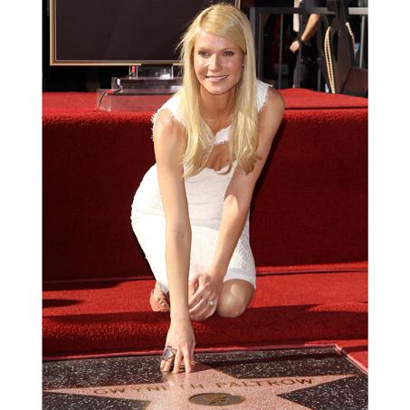 Gwyneth Paltrow ganha estrela na calçada da fama