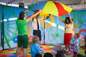Theatre for the Very Young Wheels on the Bus